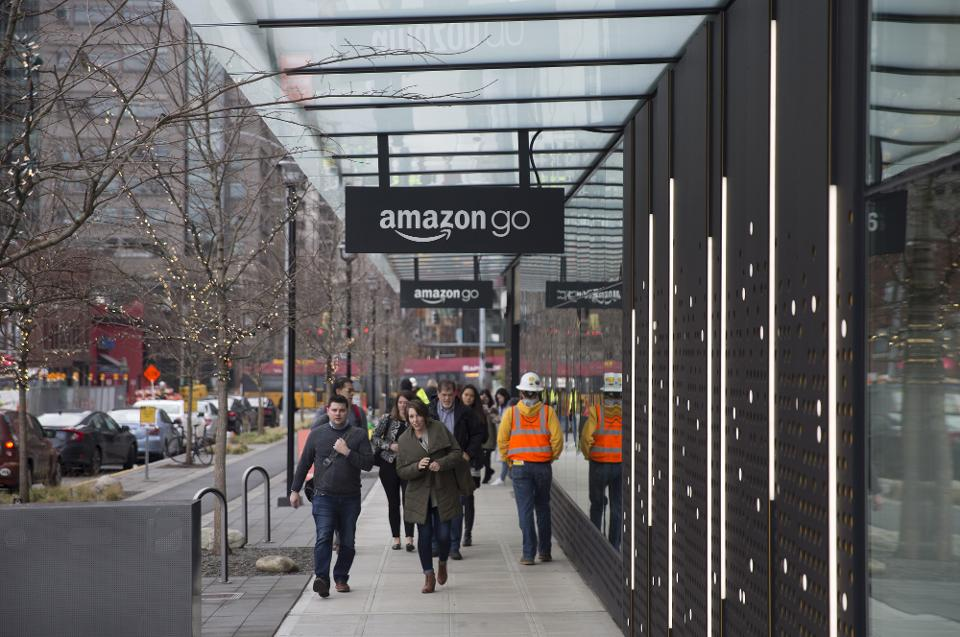 Cash-Accepting Amazon Go Store Shows Amazon Is Smarter Than The Government And Its Competition | Forbes